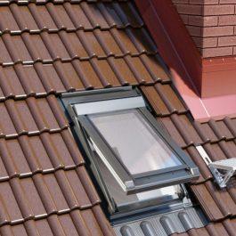 IGWX-w-dachu-przymkniety-265x265_c Zasady montażu wyłazu dachowego